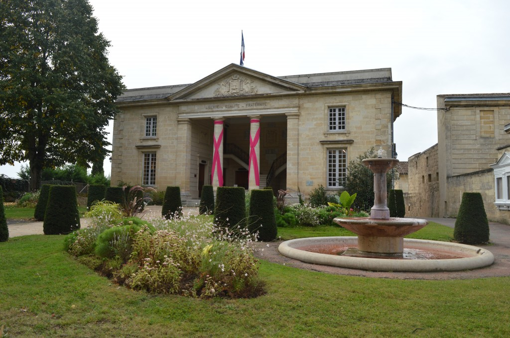mairie fontaine roses